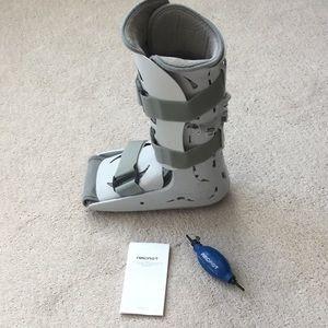 Aircast Medical Boot With Air Pump